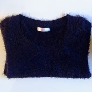 A A// Cropped fuzzy sweater